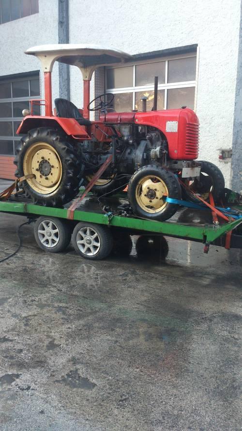steyr traktor zu verkaufen. Black Bedroom Furniture Sets. Home Design Ideas