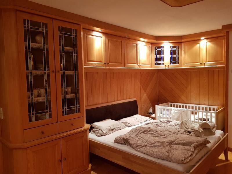 Wohnzimmer einrichtung tischlerm bel vitrine massivholz - Gebrauchte wohnzimmer ...