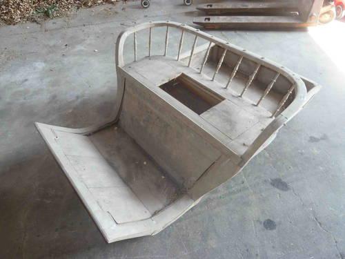 alter kutschenaufbau und wagenr der alte windm hle. Black Bedroom Furniture Sets. Home Design Ideas