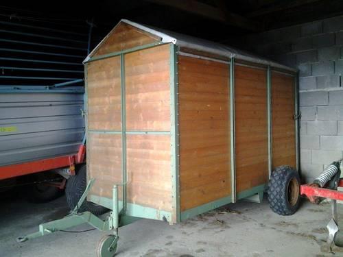 viehanh nger f r traktor. Black Bedroom Furniture Sets. Home Design Ideas
