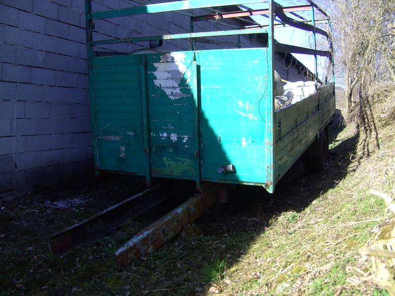 LKW-Fahrgestell 6 m Aufbau + 2 m Rahmen