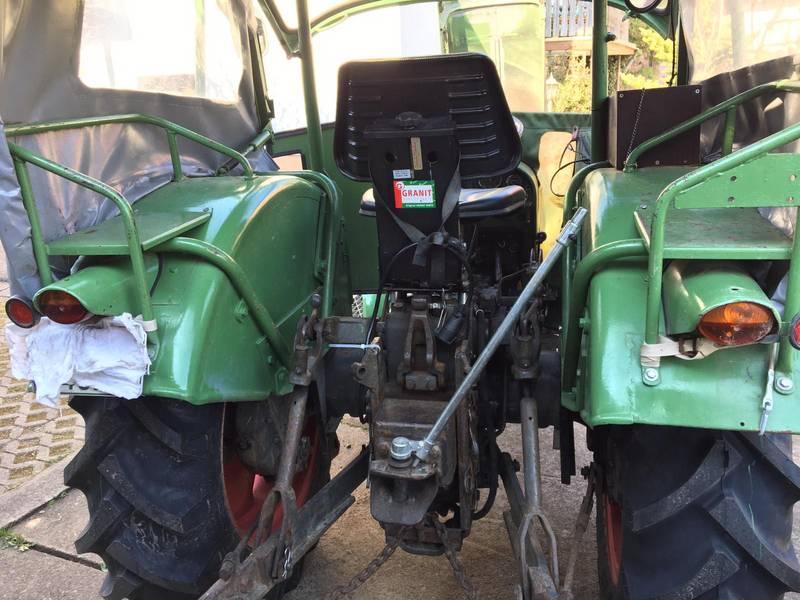 Farmer 2 Kotflügel vorne rechts für Fendt FW228