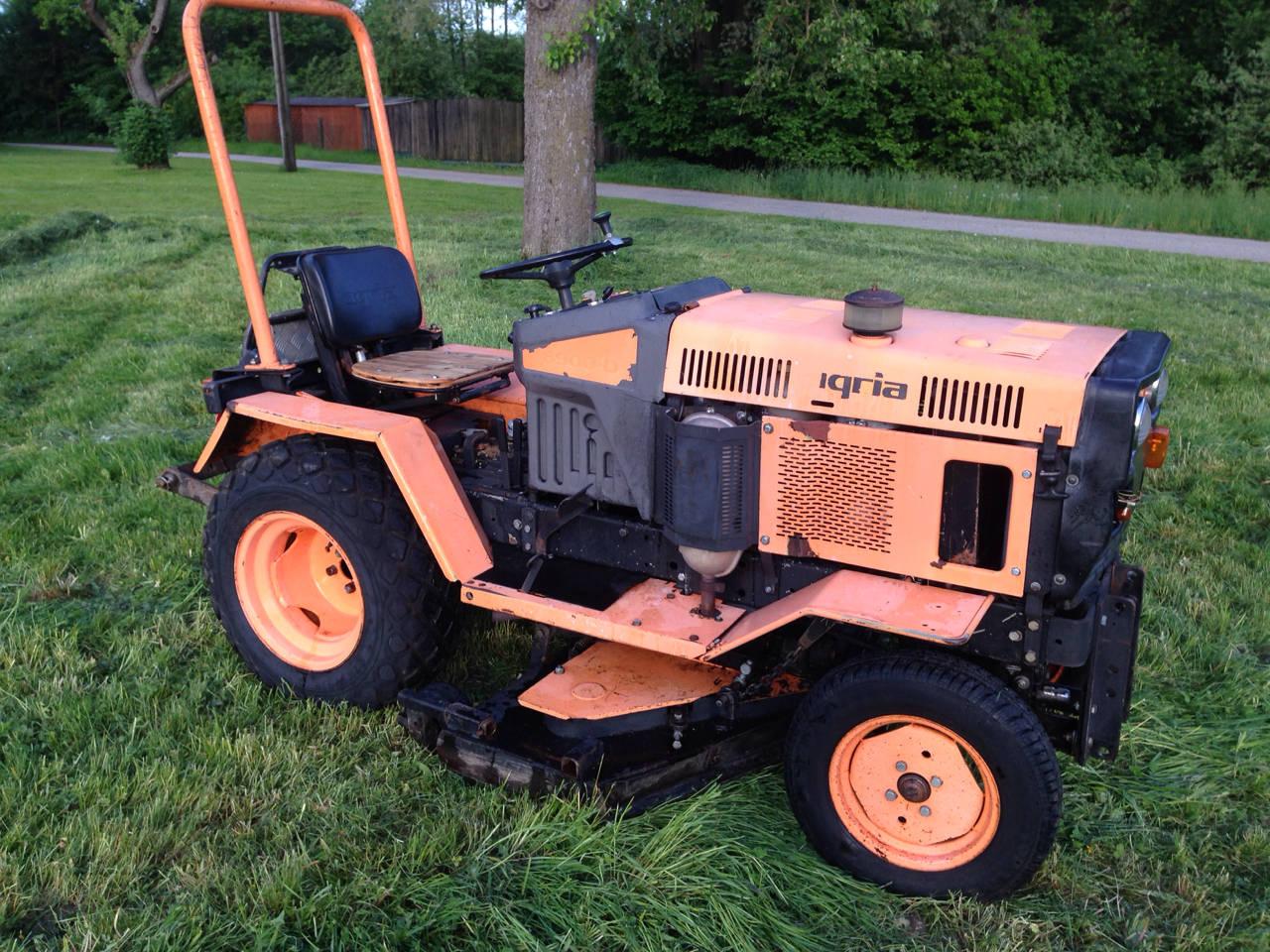 agria kompaktschlepper 6900 traktor. Black Bedroom Furniture Sets. Home Design Ideas
