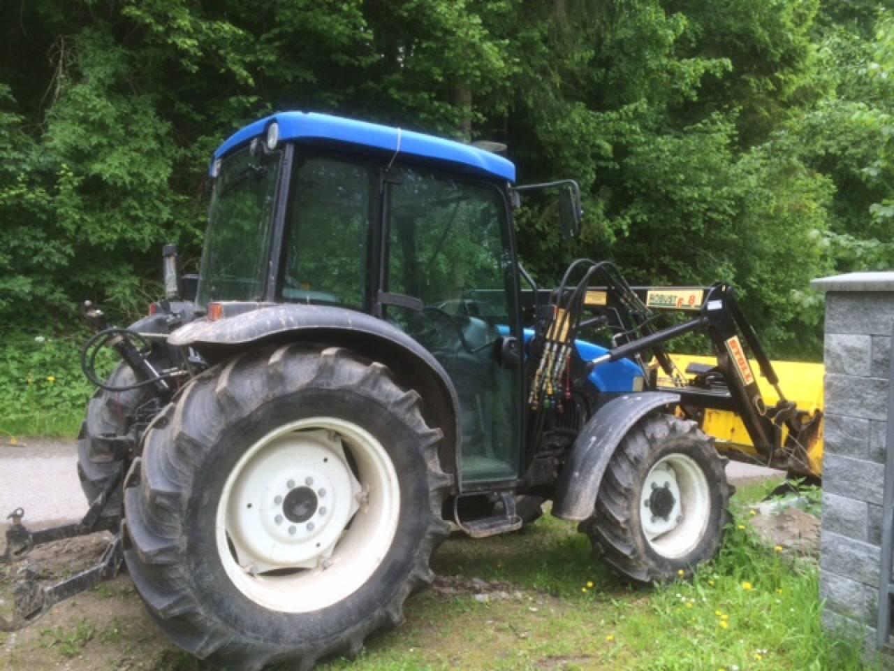 new holland tn55d traktor. Black Bedroom Furniture Sets. Home Design Ideas
