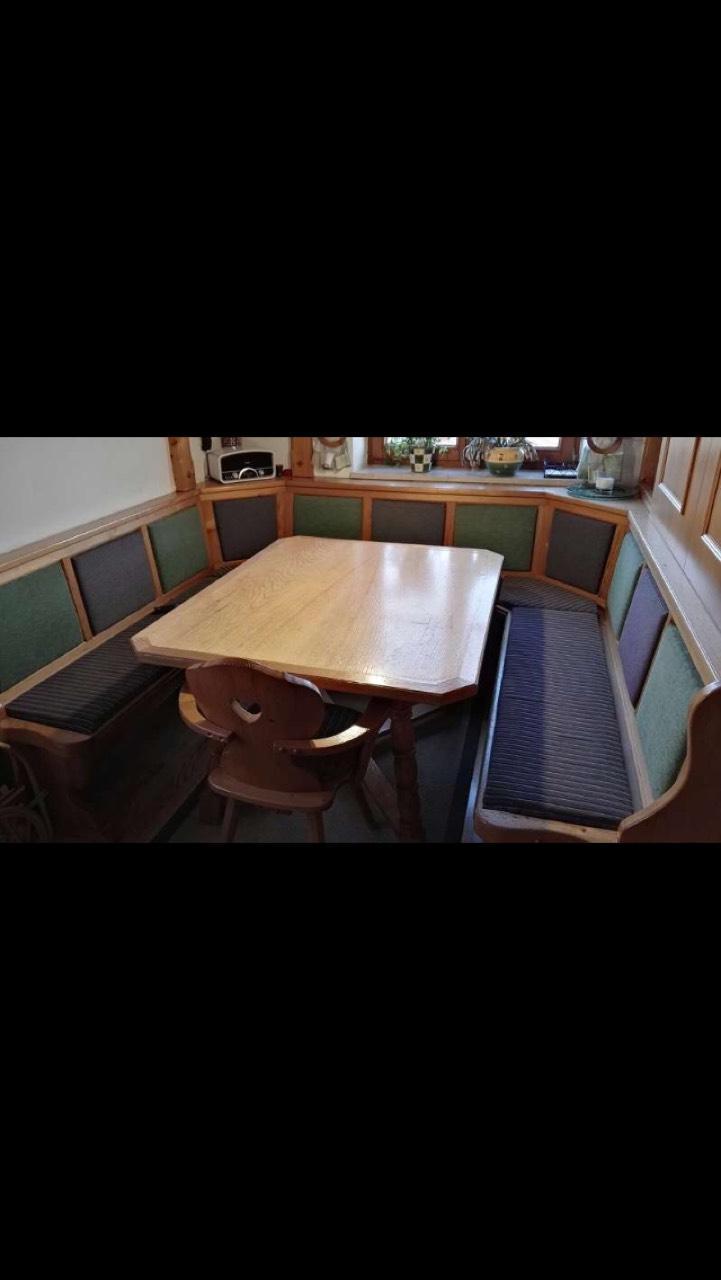 Essgruppe Mit Tisch Und Stuhl