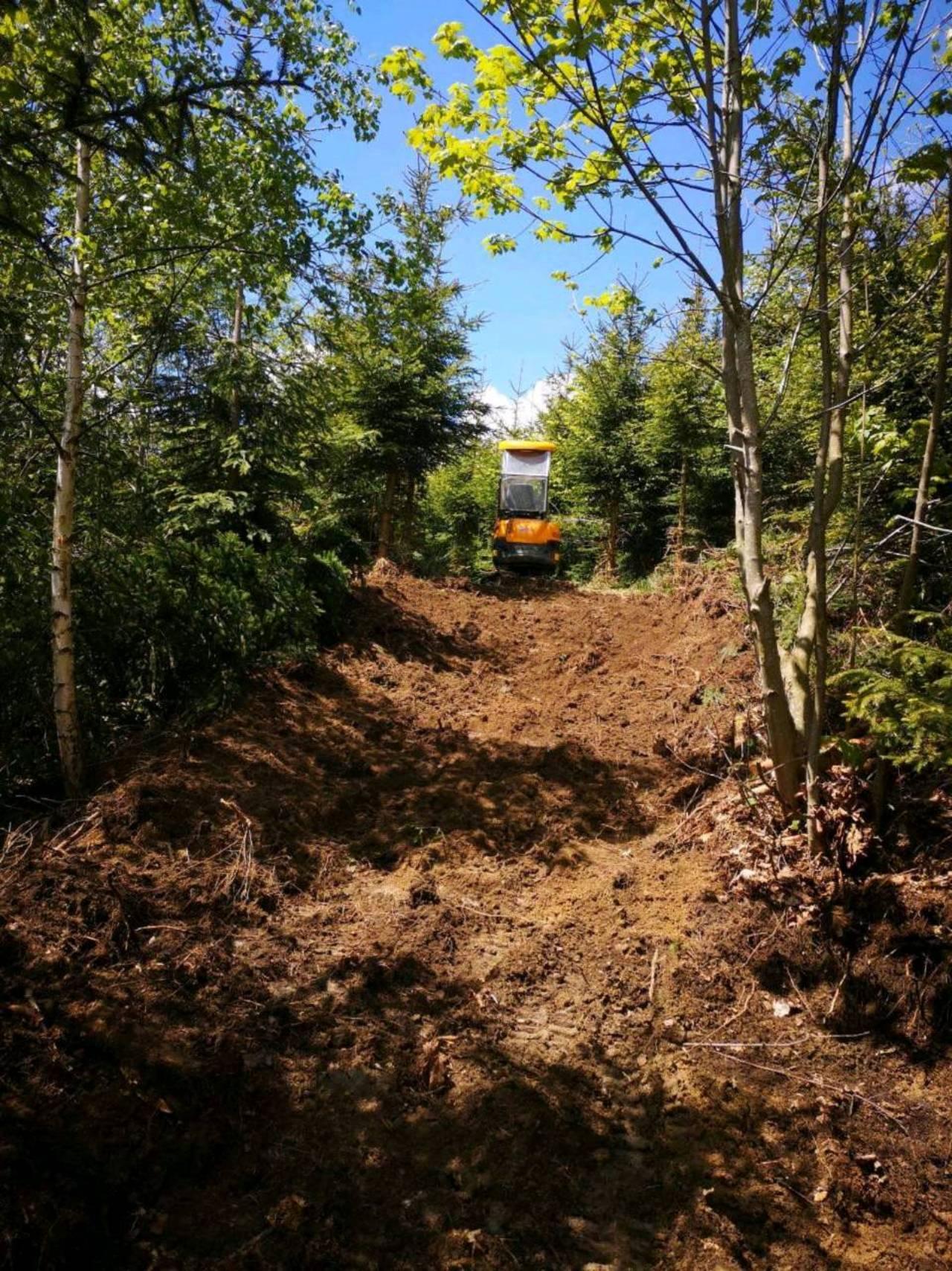 Geliebte Erdbauarbeiten Lohnunternehmer - auf www.landwirt.com @VZ_03