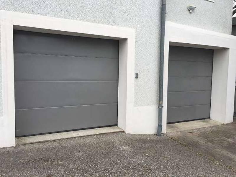 2 elektrische garagentore sektionaltore firma h rmann. Black Bedroom Furniture Sets. Home Design Ideas
