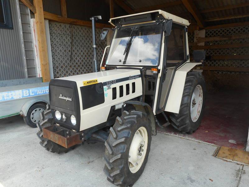 lamborghini traktor 550dt mit allrad. Black Bedroom Furniture Sets. Home Design Ideas