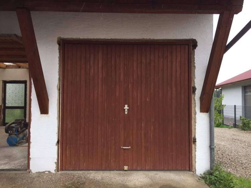 2 Holz-Garagentore