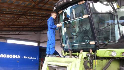 Kabinenglasscheiben fuer Landmaschinen und Baumaschinen
