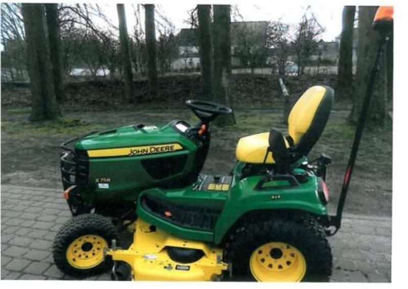 reserviert john deere traktor x758 rasentraktor diesel. Black Bedroom Furniture Sets. Home Design Ideas