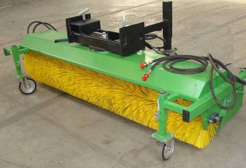 aktion kehrmaschine f r stapler und traktor. Black Bedroom Furniture Sets. Home Design Ideas