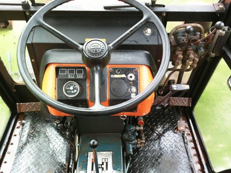 KUBOTA B8200 4WD