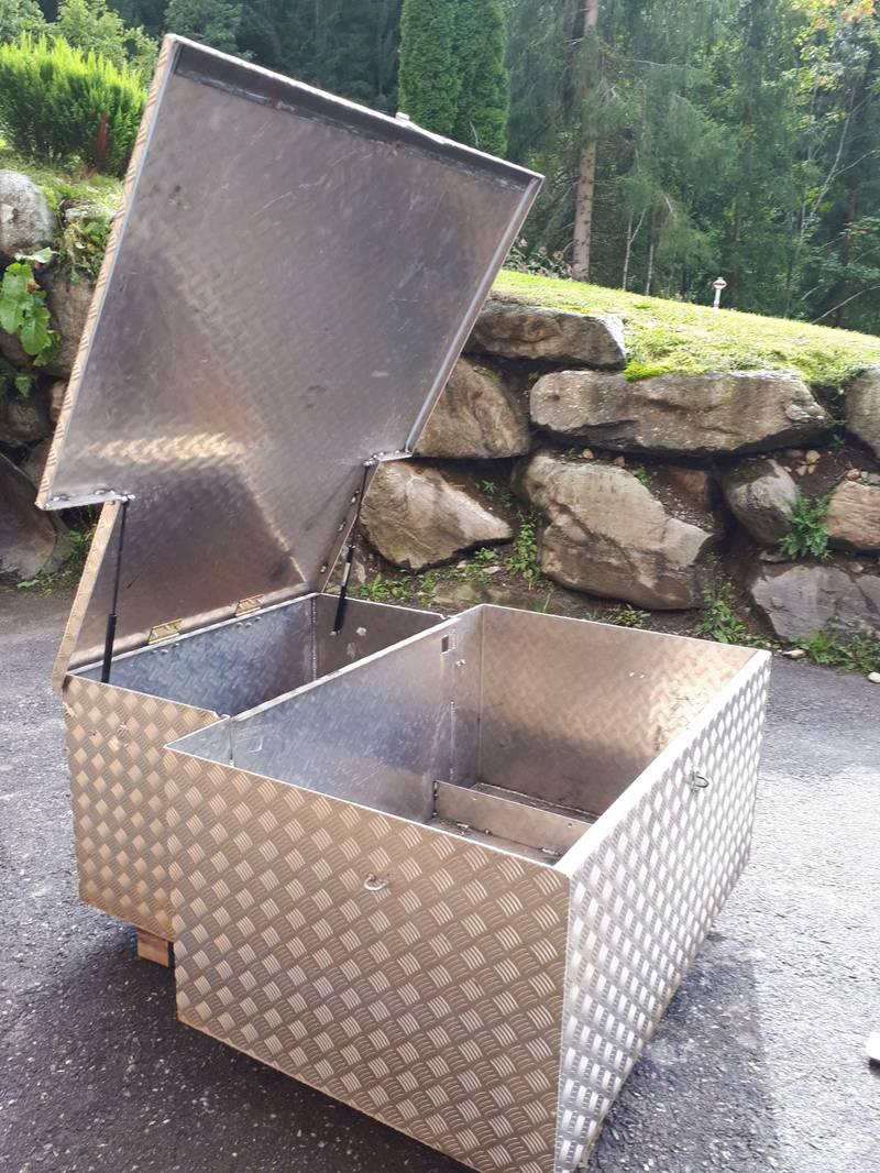 werkzeugkiste f r pick up. Black Bedroom Furniture Sets. Home Design Ideas