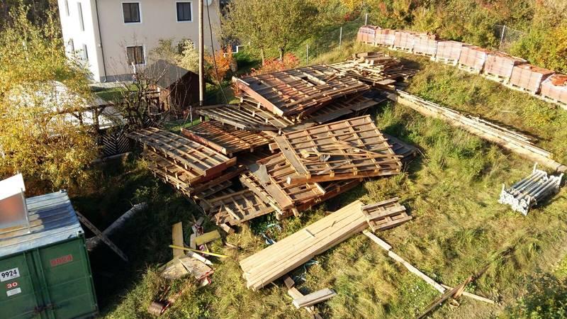 Holz von Dachstuhl zu verschenken - Selbstabholung