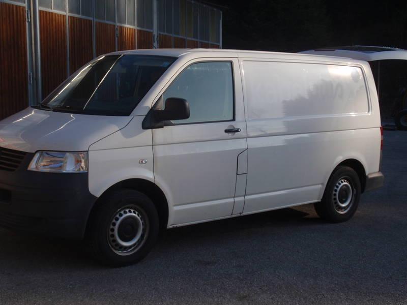 vw t5 kastenwagen 4motion mit sortimentregal. Black Bedroom Furniture Sets. Home Design Ideas