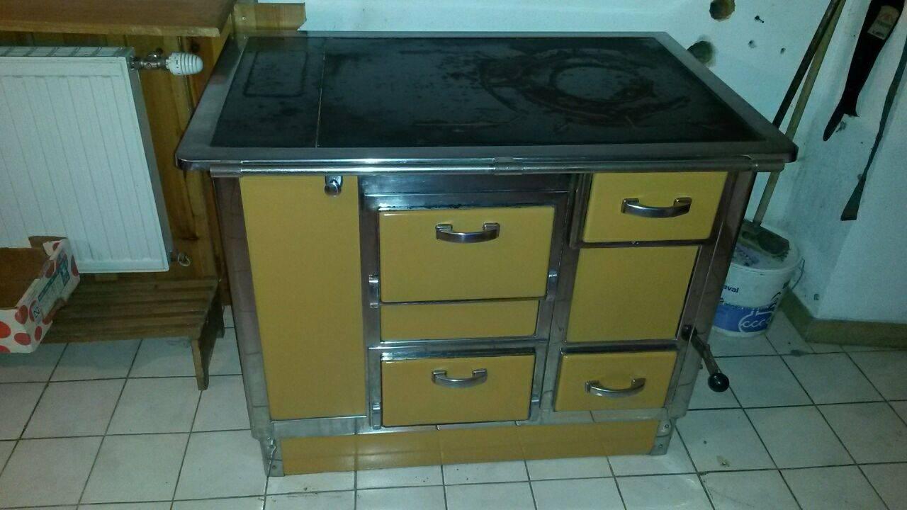 herd der marke stadt. Black Bedroom Furniture Sets. Home Design Ideas