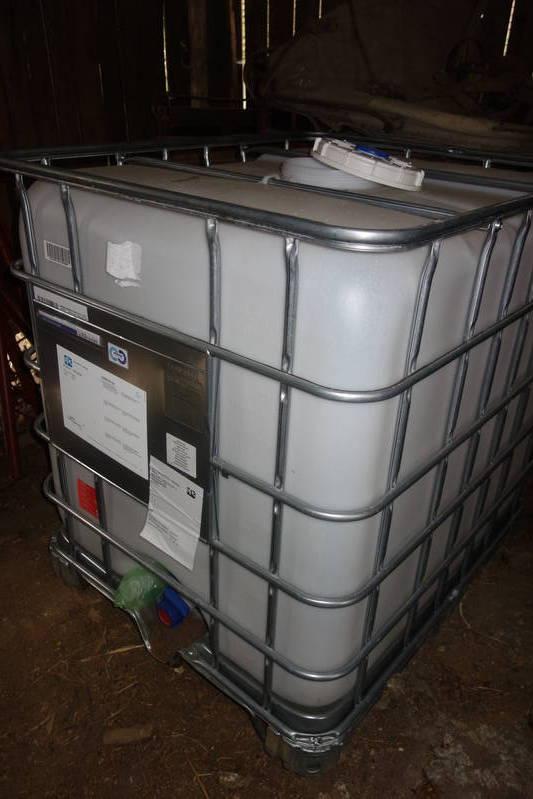 wasserbeh lter wassertank gitterbox regenwassertank. Black Bedroom Furniture Sets. Home Design Ideas
