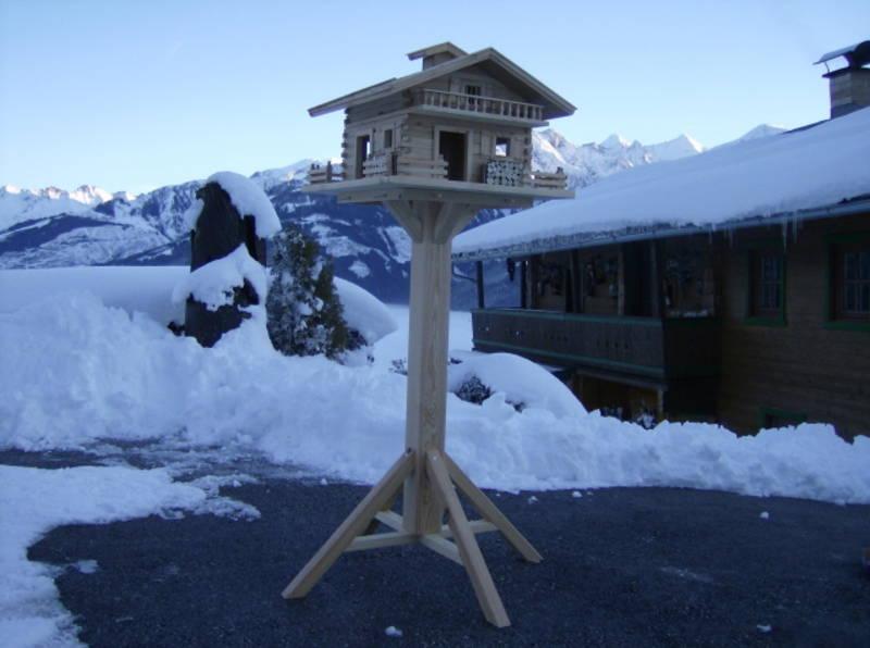 vogelhaus st nder f r xxl l rchenholz vogelhaus. Black Bedroom Furniture Sets. Home Design Ideas
